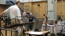 Il direttore Tarry Davies e il compositore David Lang