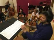 Il M° Nicola Tescari dirige gli archi della Roma film Orchestra 5