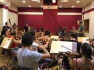 Il Maestro Emanuele Bossi dirige la Roma Film Orchestra 4