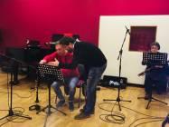 Il clarinetto Angelo de Angelis si consulta con il Maestro!
