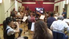 Il Maestro Nicola Tescari dirige la Roma Film Orchestra