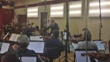 Il Direttore Emanuele Bossi dirige la Roma Film Orchestra